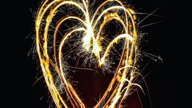 bright-fireworks-heart-862516.jpg